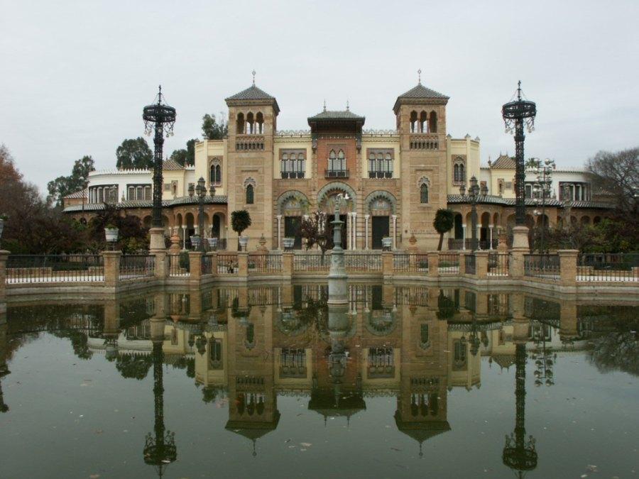 Museo de Artes y Costumbres Populares - <a href='http://es.wikipedia.org/wiki/Archivo:SEVILLA_PABELLON_MUDEJAR.JPG' target='_blank' rel='nofollow'></a>