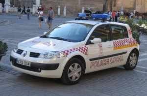 Policia Local de Sevilla - <a href='http://es.wikipedia.org/wiki/Archivo:Renault_Megane_Policia_Sevilla.jpg' target='_blank' rel='nofollow'></a>