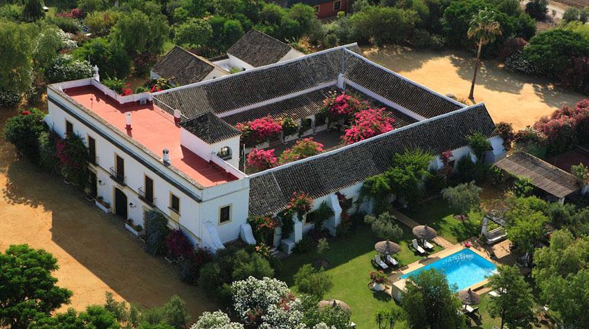 Hacienda-De-San-Rafael-en-sevilla-durante-la-temporada-de-primavera