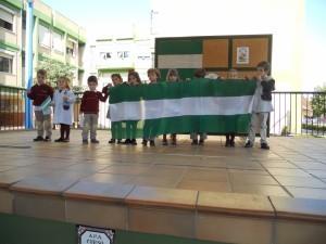 Colegios de Sevilla celebran el día de Andalucía.