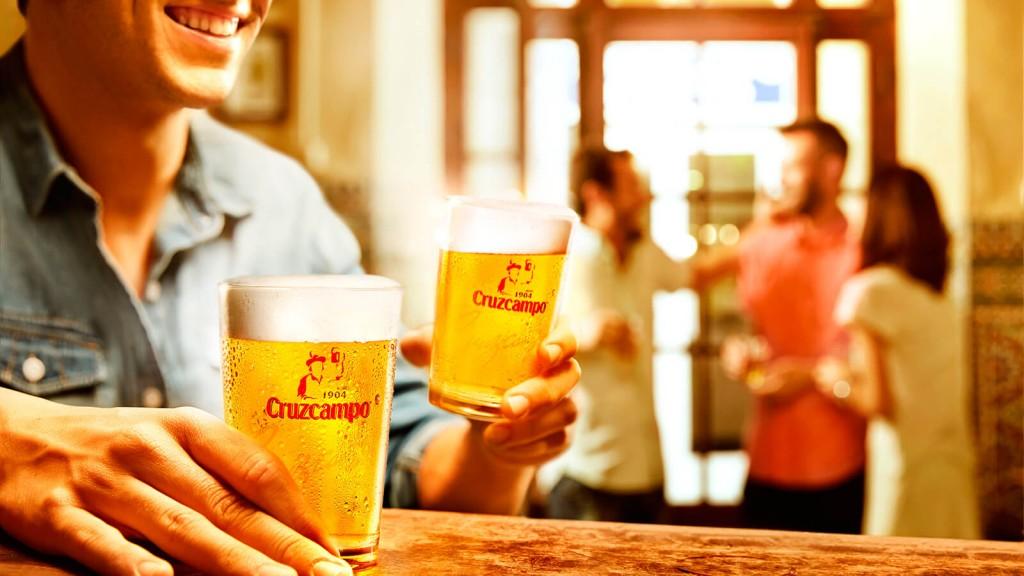 unas-cervecitas-para-compartir-en-sevilla